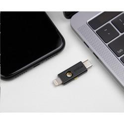 """XtendLan 10"""" rozvodný panel 4x230V, indikátor napětí / vypínač, 1.8m přívod."""